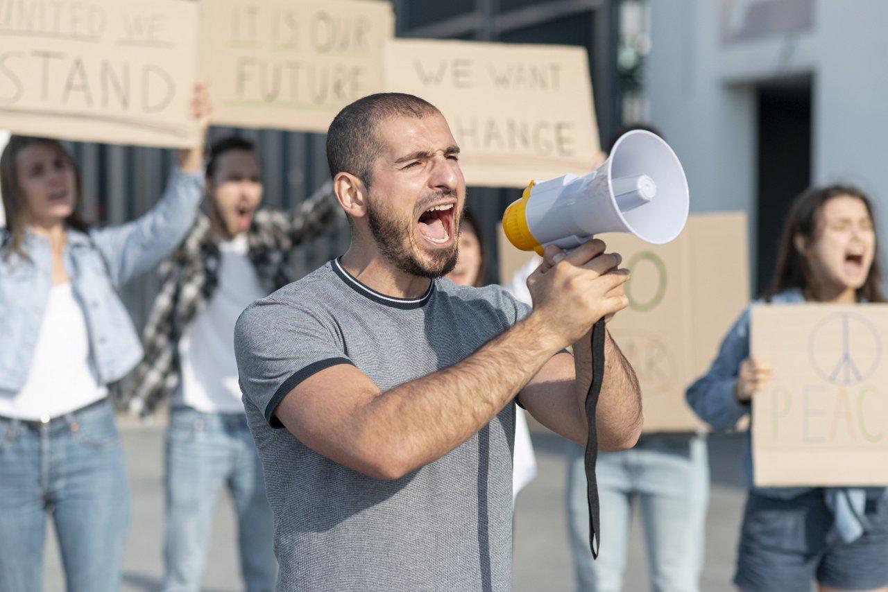 Эпоха гнева: почему мир охватили протесты