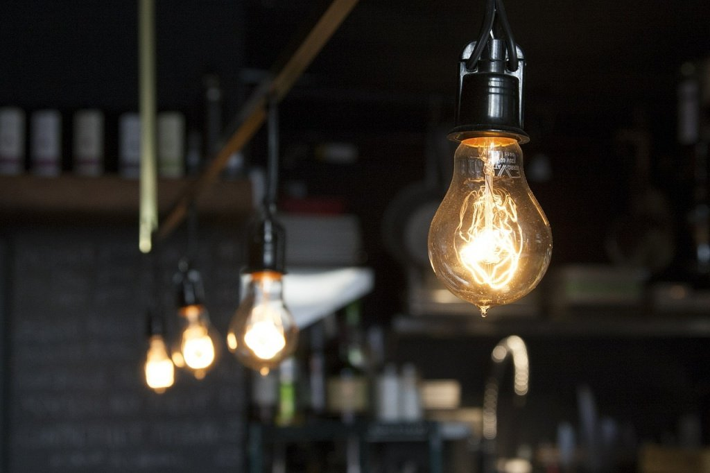 light-bulbs-406939_1280.jpg