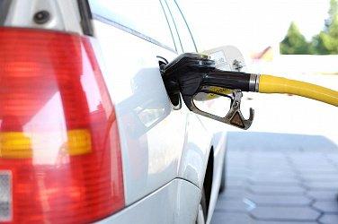 «Роснефть» запустила первый в России сервис виртуальной оплаты топлива