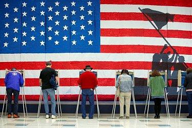 Коронавирус меняет выборы: какие инициативы набирают популярность в США